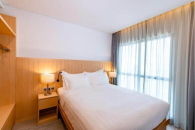 Compressed-Deluxe Hotel Room