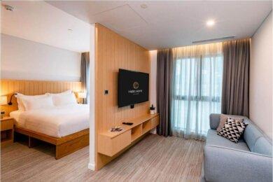 Compressed-Deluxe Suite-Hotel Room (3)